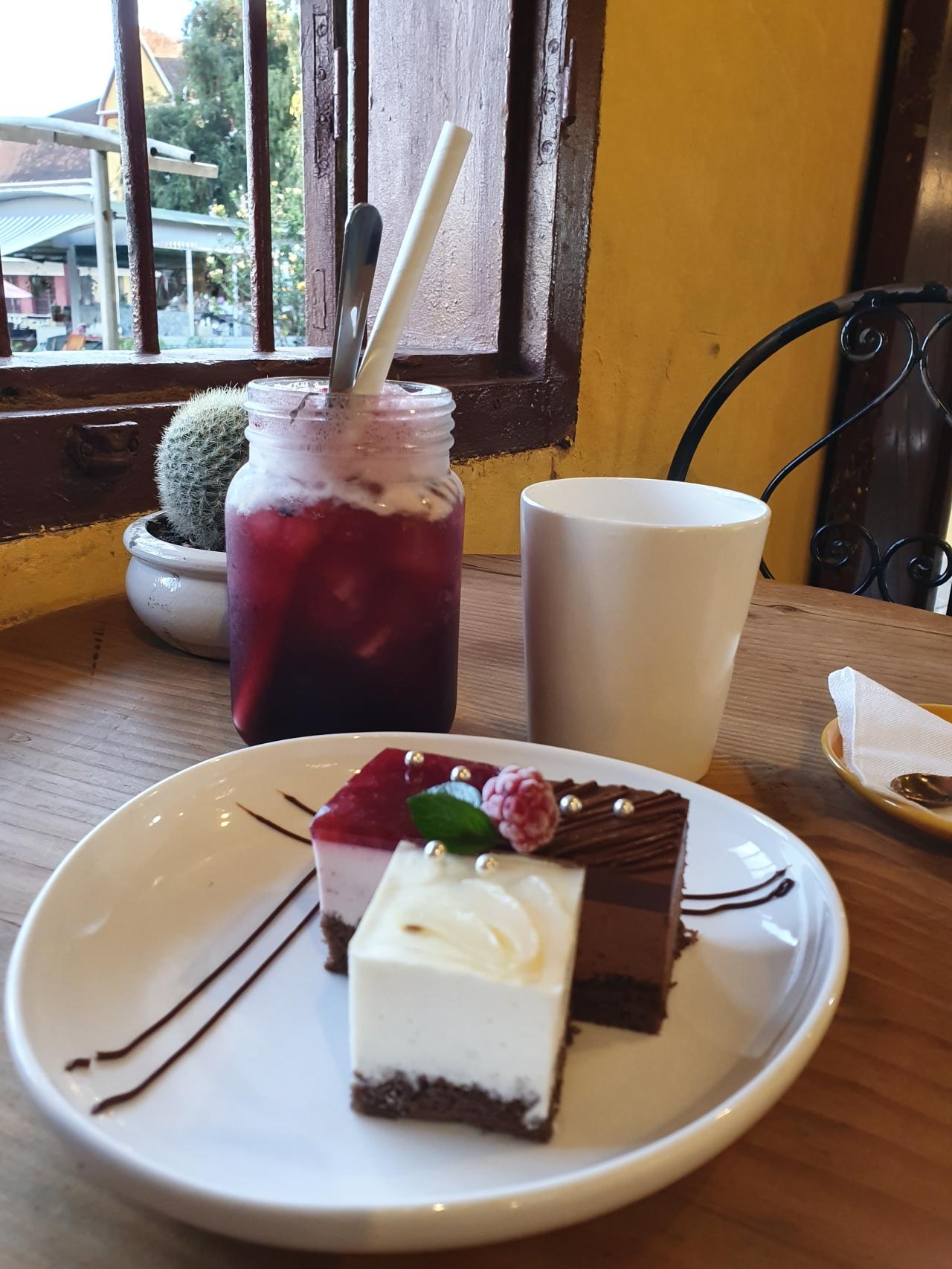 Around the World in 80 Cakes: VietnameseVariety