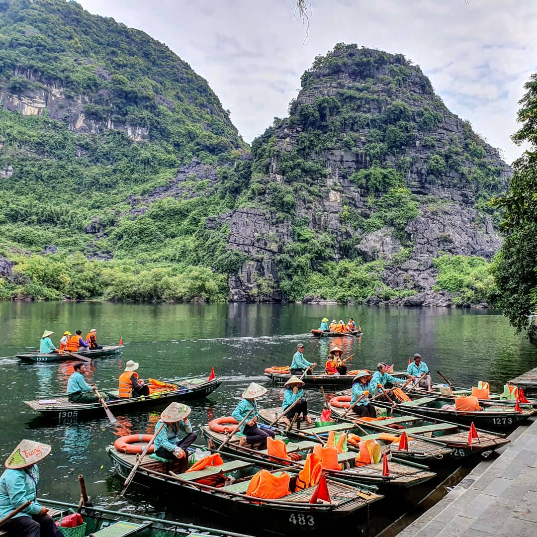 Day 64: Messing about in boats, Trang An by river