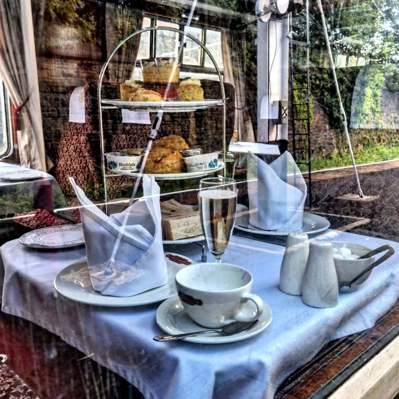 Around the World in 80 Cakes #19 Afternoon Tea byTrain